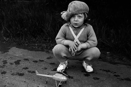 foto niña con gorra