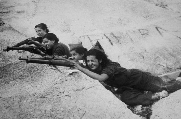 Girl Snipers Scharfschützinnen
