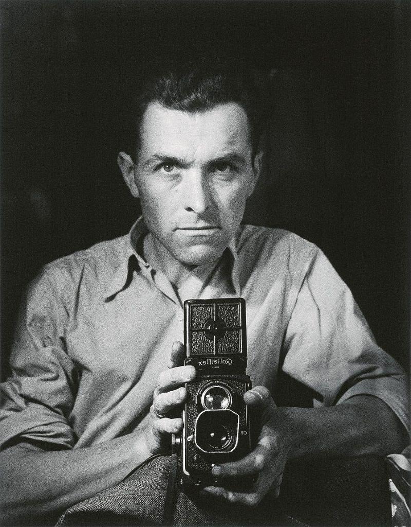 robert-doisneau-self portrait with rolleiflex